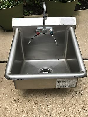 """Load King 20"""" X 19"""" Stainless Steel Wall Mount Hand Sink With Faucet"""