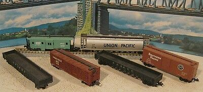 N Scale 6 Freight Cars inc Caboose............Scroll Down