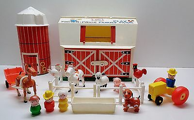 VINTAGE Fisher Price Little People #915 FARM BARN SILO PEOPLE AND ACCESSORIES