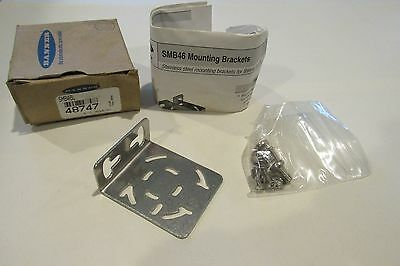 New! BANNER SMB46L Mounting Bracket Free Shipping!