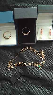 9ct and 18ct Gold jewellery- read description - Bracelet - Rings - Earrings