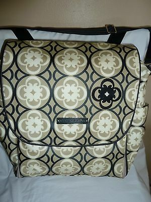 Petunia Pickle Bottom Boxy Backpack Diaper Bag Glazed Sightseeing In Chatelet