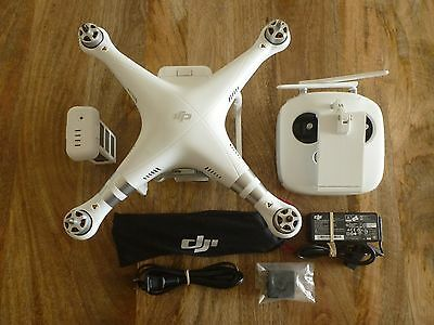 DJI Phantom 3 Advanced With Camera Extra Battery Quadcopter 2.7K (See Pictures)