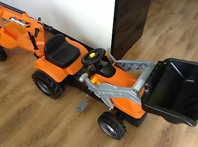 Smoby Builder Max Ride on Pedal Tractor With Trailer ex display