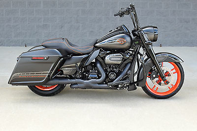 2017 Harley-Davidson Touring  2017 ROAD KING CUSTOM *STUNNING $16K IN XTRA'S! CVO KILLER! 1 OF A KIND!! WOW!!