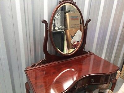 Queen Anne Antique Dressing Table