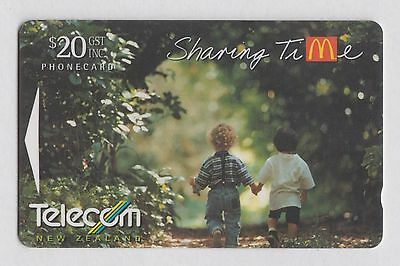 NEW ZEALAND $20 Mc Donalds Sharing Time magnetic phone card from 1995