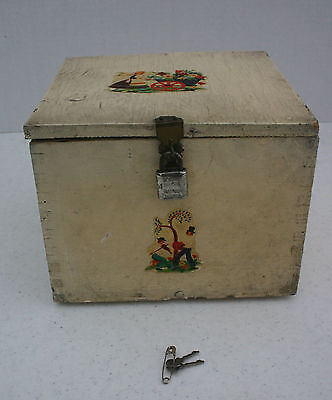 Primitve Handmade Painted Wood Folk Art Box w/ Lid and Lock Chippy Antique