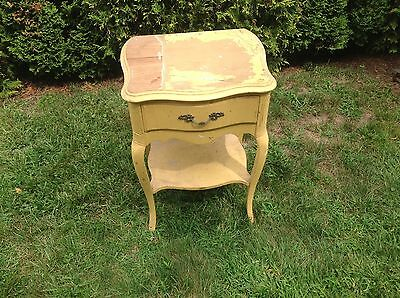 Vintage French provincial solid wood nightstand / end table - Pickup Only!!!