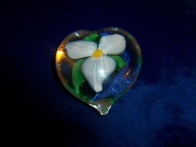 Boyer Art Glass Daffodil Flower Heart Shaped Paperweight Signed
