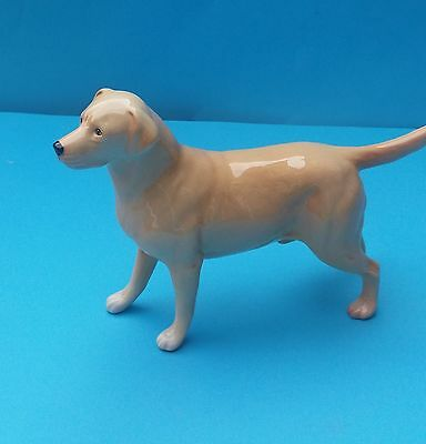RETIRED BESWICK LARGE LABRADOR 'SOLOMON OF WENDOVER' DOG FIGURINE - No. 1548