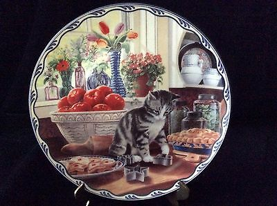 Bradford Exchange VTG Warm Country Moments Decorative Cat Plate, Harriet's Love