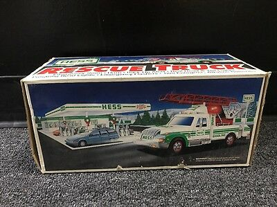 HESS Rescue Truck 1996 - New in Box - Working Lights and Sound