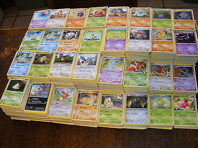 lot de 100 cartes Pokemon Sans Double dont 10 rares