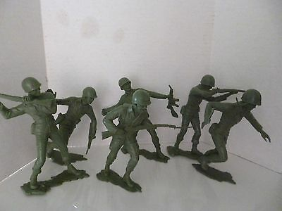 """Lot of Six Large 5-6"""" Green Plastic Army Soldiers Men Not Marked"""