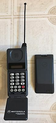 Vintage Motorola Mobile Flip Phone Personal Communicator 1980s Untested Chargers