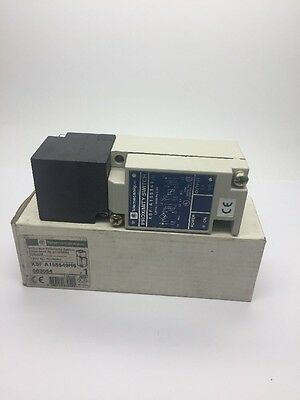 New Telemecanique XSFA155549H6 Inductive Proximity Switch XSF-A155549H6