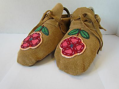 Native American Moccasins, Hand Made 8.5 Inches, Beautiful Forest Flower Beading