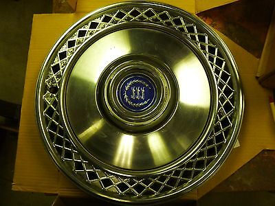 "Vintage Ford 1977 1978 1979 1980 1981 1982 Ford 15"" 15 Inch Hubcap Wheel cover"