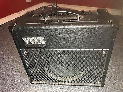 vox ad30vt valvetronix guitar combo amplifier 30 watt great fx and warm sound. Black Bedroom Furniture Sets. Home Design Ideas