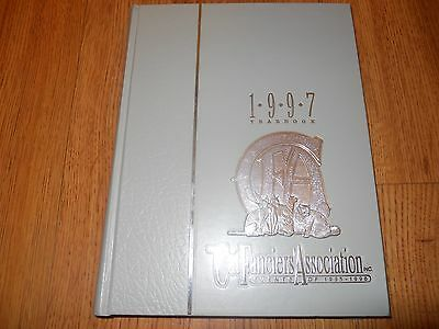 THE CAT FANCIERS ASSOCIATION  1997 YEARBOOK    Chicago   HC