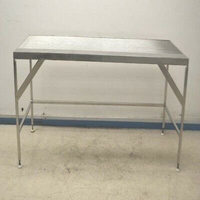 """Lab Cleanroom Electropolished 72"""" x 30"""" x 35"""" Stainless Steel Wiretop Table"""