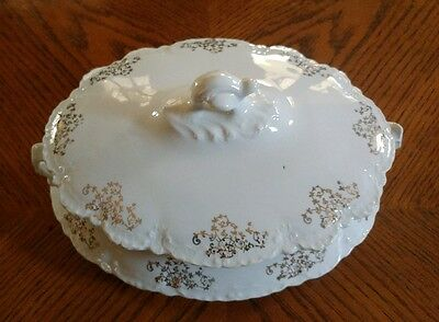 Homer Laughlin Soup Tureen With Gold Flower Trim (Excellent Condition)