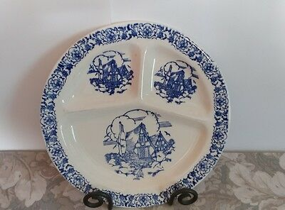 """Vtg Blue Willow Divided Plate / 11 1/4"""" Round / USA"""