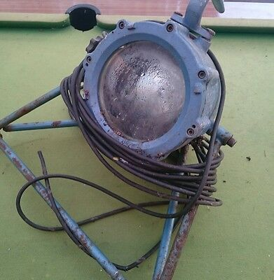 Industrial antique lamp service westair dynamics vintage TYPEQ150 spotlight