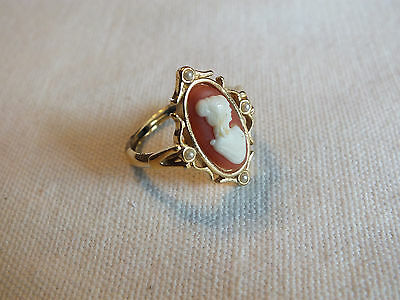 Beautiful Cocktail Ring Gold Tone Cameo Signed AVON Size 9 CUTE Inner Ring Gone