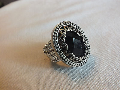 Beautiful Stretch Cocktail Ring Silver Tone Black Rhinestone Filigree 1 3/8 Face