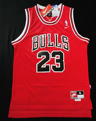 Michael Jordan # 23 Bulls Basketball Retro Red Swingman Jersey