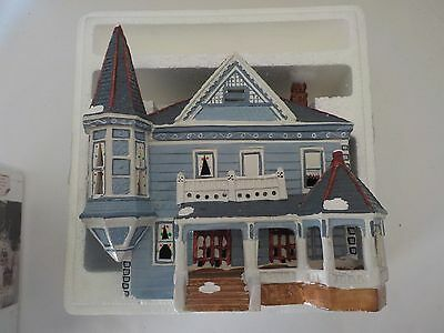 Yuletide Snow Hamlet 766 Victorian House Light Up Christmas Village House