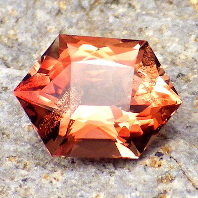 RED SCHILLER OREGON SUNSTONE 2.77Ct FLAWLESS-PERFECT CUT-FOR HIGH-END JEWELRY!