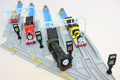 Thomas The Tank Engine TOMY RAIL YARD SET