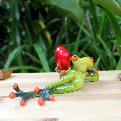 1X Green Frog Figurine Resin Frogs Colleation Gift Red Valentine Heart