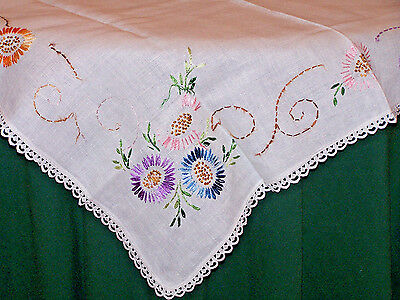 LOVELY VINTAGE FLORAL EMBROIDERED LINEN TABLECLOTH, TOPPER, c1930, SO PRETTY!