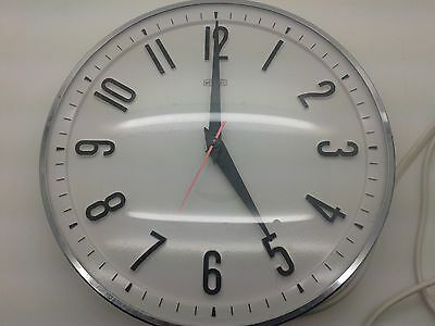 Superb Vintage 1960's Metamec Electric Wall Clock Retro Kitchen Clock - White