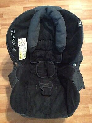 Maxi Cosi 35 Infant Car Seat Cushion Cover Head Rest Straps Cover Black Gray