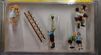 1/87 Noch 15863  H0 Scale - Country Lovers - 6 figures - Some Nudity