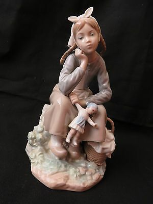 Lladro 1211 Girl With Doll Anoranza Holland Dutch See Condition