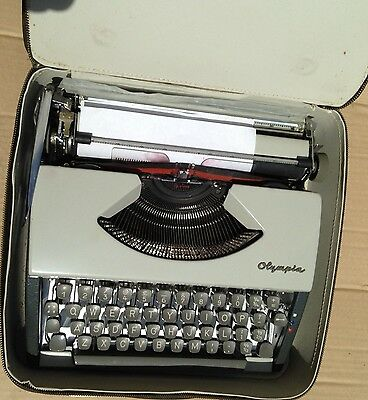 Vintage Olympia Werke AG Wilhelmshaven Portable Typewriter West Germany L/Case