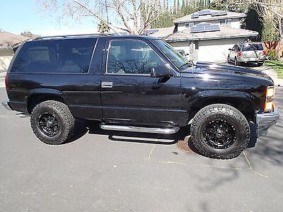 1999 Chevrolet Tahoe  1999 Chevy Tahoe ** 2 door **  4X4 ** 121K miles ** Clean Title **California Car