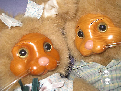 2 Robert Raikes Plush Bunny Rabbits Boy & Girl Easter Applause      61E3