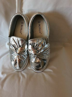 Slip On Shoes By Bestelle Size 6