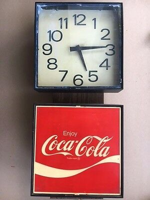 Vintage COCA COLA / COKE CLOCK ADVERTISING SIGN / Made in 1976