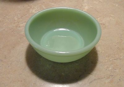 """Fire-King Anchor Hocking Jadeite Chili Cereal Bowl 4-3/4"""""""