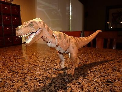 Jurassic Park JP06 Young Tyrannosaurus Rex T-Rex with Wound and Cover Skin