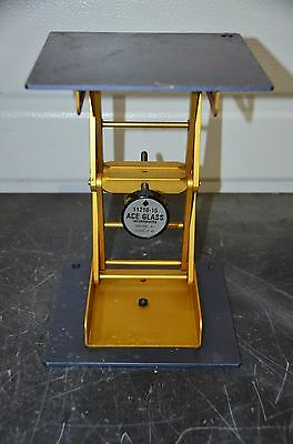 "Ace Glass 11210-15 8"" x 8"" Plate Lab Jack 11"" Max 3-3/8"" Min Height Scissor Lift"