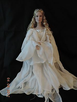 Tonner GALADRIEL, Lady of Light doll from LORD OF THE RINGS